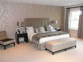 Bedroom Wallpaper Ideas by 25 Best Bedroom Decorating Ideas On Pinterest Diy