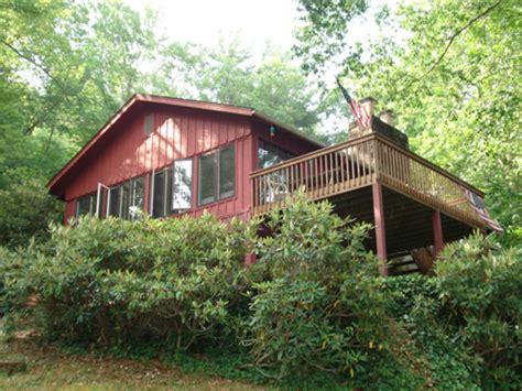 lake glenville nc boat rentals lake glenville nc glenville lakefront cabin rentals