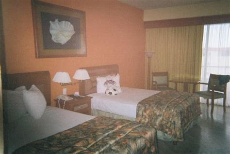 average room average hotel room picture of crown paradise club cancun cancun tripadvisor