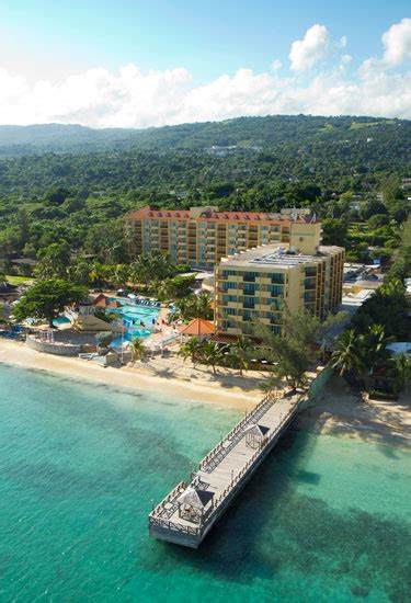 relaxing at the jewel dunns river beach resort spa jewel dunns river beach resort and spa in ocho rios cr