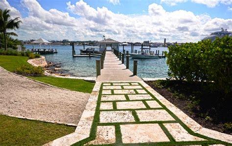 coral breeze paradise island luxury rentals bahamas
