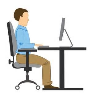 gesundes sitzen am schreibtisch r 252 ckenschmerzen vorbeugen 15 einfache alltagstipps