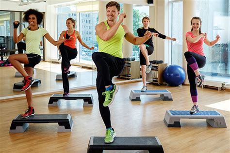 imagenes de step up muss step una variante del aerobic que debes conocer