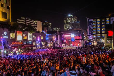 new year parade montreal 2016 the 10 most iconic festivals in the world