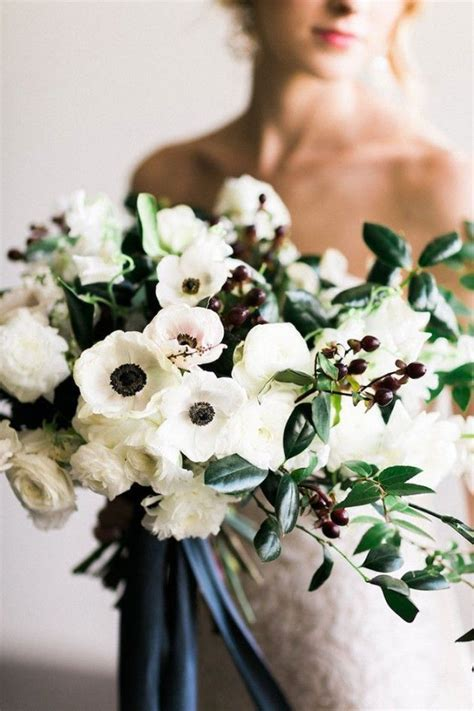 Best 25  Ranunculus bouquet ideas on Pinterest