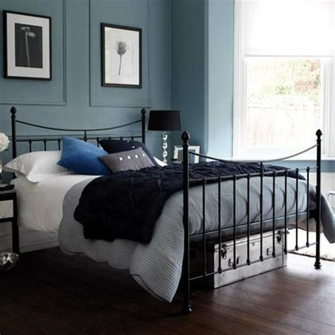 17 best images about guest bedroom blue gray and black on black metal bed frame