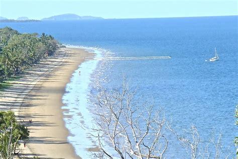 Island Casual Tali tali lima beachfront luxury house accommodation