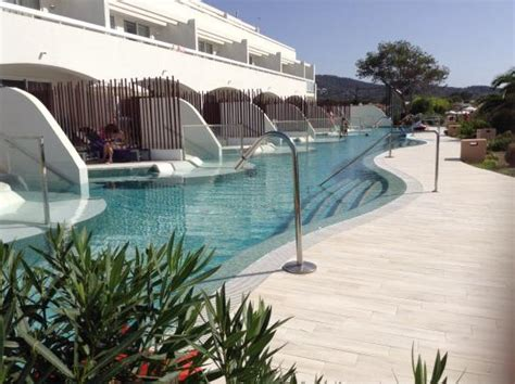 swim up rooms ibiza infinity bar with abramovich boat in the background picture of sirenis seaview country
