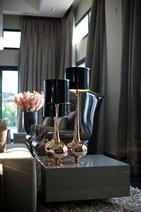 dunkle gardinen moderne vorh 228 nge bringen das gewisse etwas in ihren wohnraum