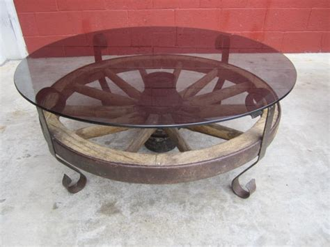 Wagon Wheel Coffee Table 17 Best Ideas About Wagon Wheel Table On Pinterest Wagon Wheel Decor Milk Can Table And