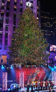 rockefeller center christmas tree lighting is a smash hit