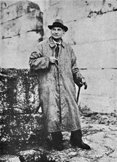 Knossos.Arthur Evans & the Minotaur