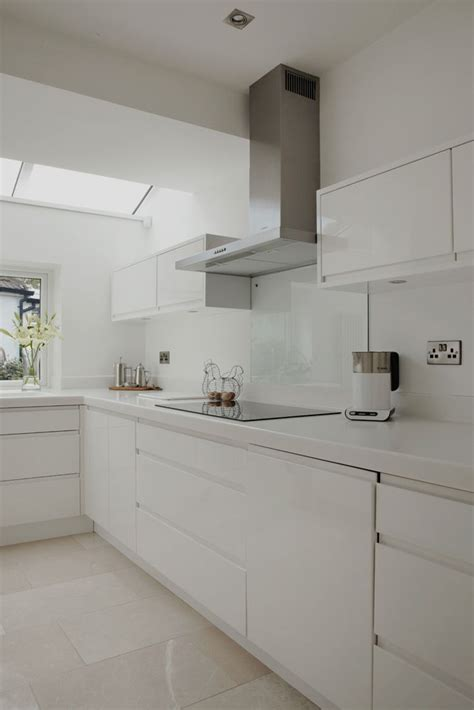 white gloss kitchen ideas best 25 white gloss kitchen ideas on worktop