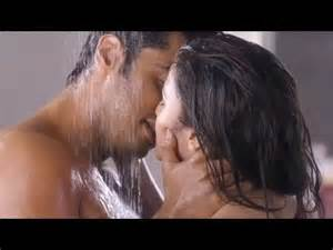 2 states arjun kapoor alia bhatt in shower
