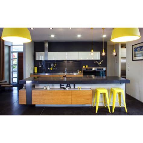 tabouret industriel de style tolix en jaune de 75cm cult