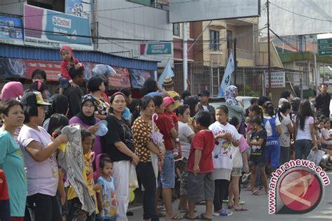 Kalung Etnik Kalimantan 32 ribuan warga samarinda saksikan pawai etnik antara news