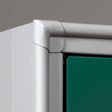 armadietti in metallo armadietto spogliatoio in metallo a norma con tramezza