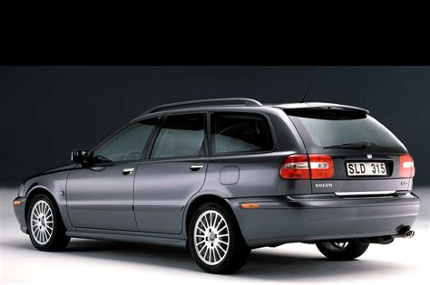 volvo v40 engine specs 2003 volvo v40 specs pictures trims colors cars