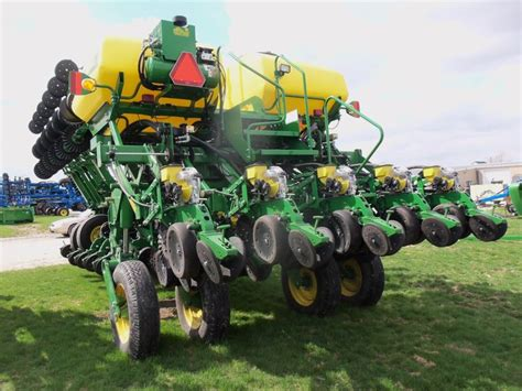 1790 Deere Planter by Rear Of Deere 1790 Corn Planter Tri Green Tractor