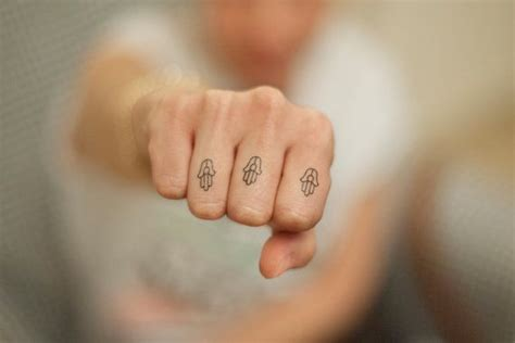 minimalist hamsa tattoo 71 best images about temporary tattoos more on pinterest