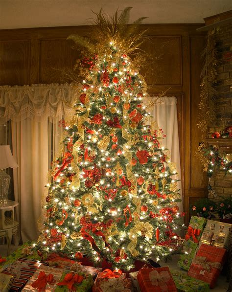 amazing christmas tree themes the best artificial prelit trees amazing ideas