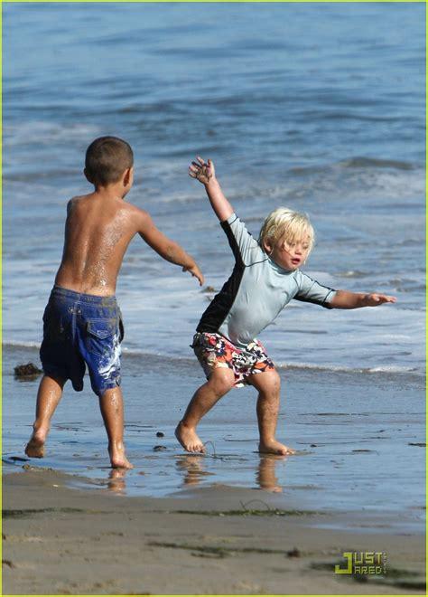 speedo beach images usseek com boys speedo on beach images usseek com