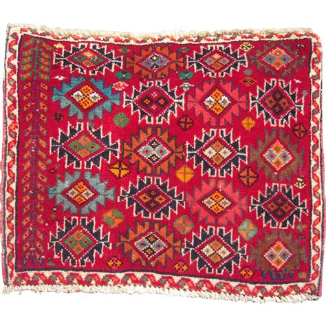 2 x 2 rug vintage table top size 1 1 2 x 2 rug from bluesprucerugsandantiques on ruby