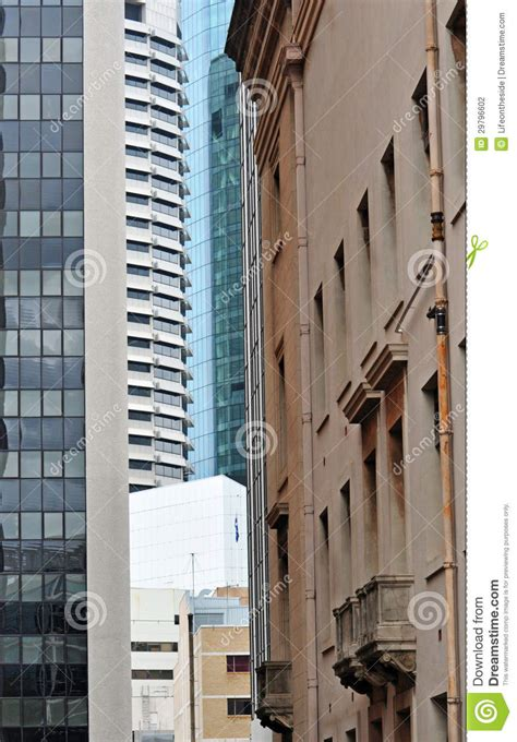 middle  crowded    buildings city brisbane