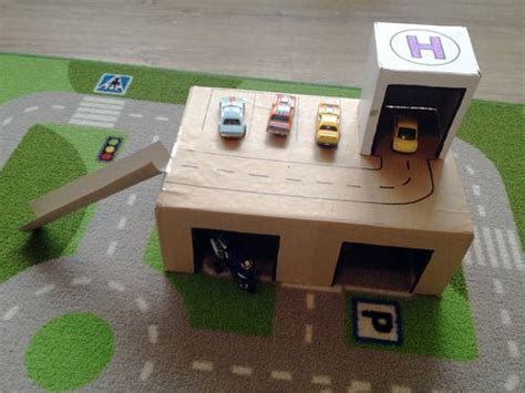 Cardboard Box Garage by Diy Garage Out Of Cardboard Boxes Crafts