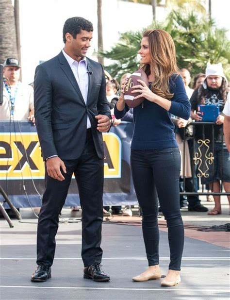 Biel Enjoys Menounos by Wilson Pictures Drop By The Set
