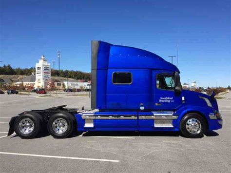 Volvo Vnl 64t730 2016 Sleeper Semi Trucks