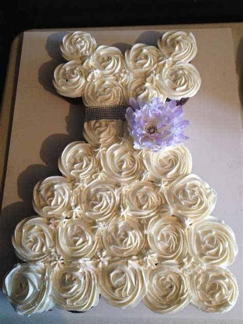 mini cupcakes for wedding shower 107 best bridal shower cupcakes images on bridal shower cupcakes bridal showers and