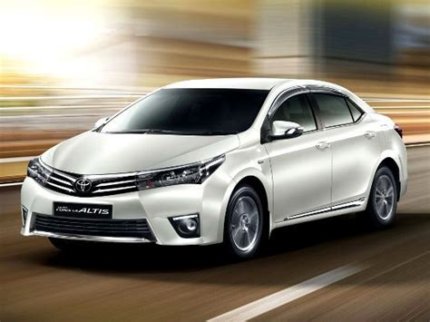Toyota Corolla Altis Vs Hyundai Elantra New 2016 Hyundai Elantra Vs Toyota Corolla Altis