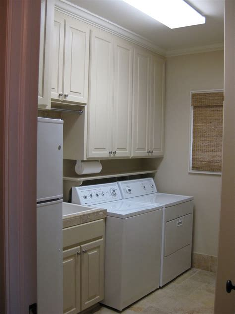 cabinets above washer dryer 1000 images about laundry room ideas on