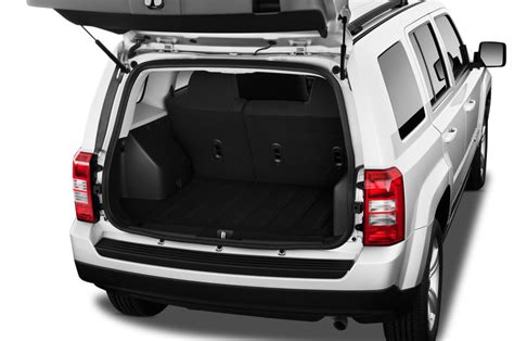 jeep compass 2017 trunk space 2016 jeep patriot reviews and rating motor trend