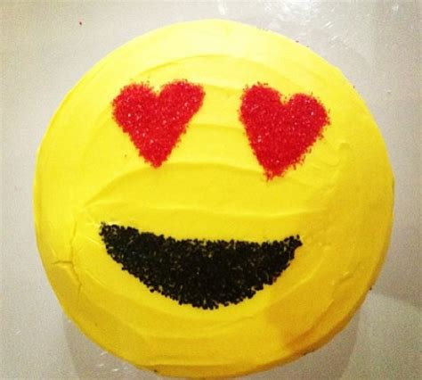emoji birthday cake 21 best emoji icon images on pinterest the emoji cool