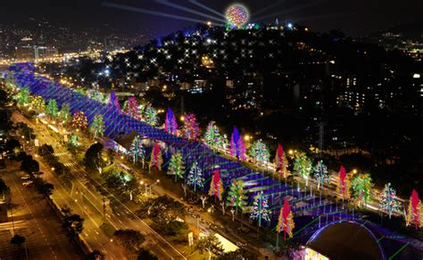 imagenes navidad bogota colombia energ 237 a solar ilumina festividades navide 241 as en medellin