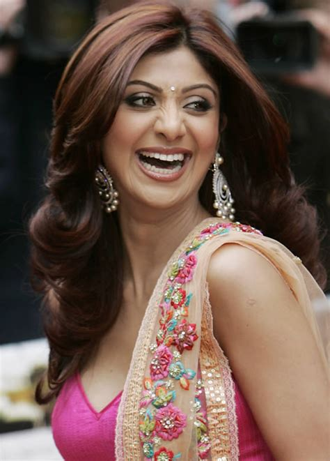 Shilpa Shetty Is The New Bond by Gt Free Images For Shilpa Shetty Wallpapers 2011