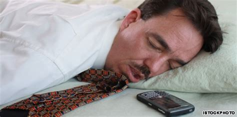 cell phones prevent sleep say night night to the blue light a wake up call for thais who sleep with their cell phones
