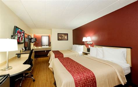 hotel with in room columbus ohio roof inn 174 columbus oh 5001 renner rd 43228
