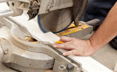 Couper Angle Plinthe by Comment Poser Des Plinthes