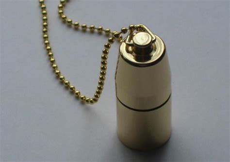 locket necklace doubled as usb flash drive gadgetsin