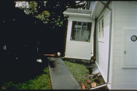 Garage Houses living with earthquakes in the pacific northwest