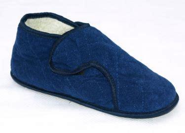 edema slippers mens s edema slipper