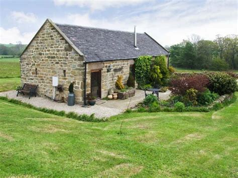 country side house garden house countryside cottage in kirk ireton selfcatering travel