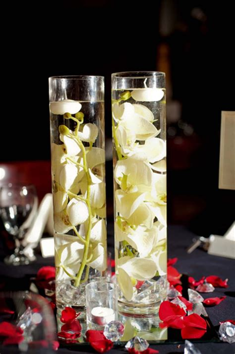 wedding centerpieces with floating flowers 84 best wedding centerpieces images on wedding stuff diy wedding centerpieces and