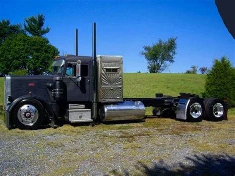 Peterbilt Sleeper Window by Window Peterbilt With A Mercury Sleeper A