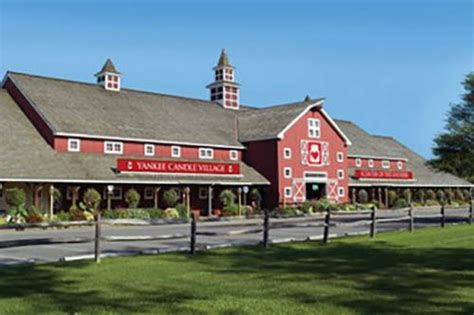 Yankee Candle Factory Tour Deerfield Ma by Yankee Candle Deerfield Attractions