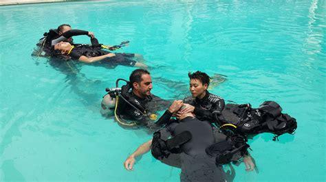 padi dive master padi divemaster course aussie divers idc phuket