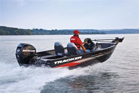 bass pro deep v boats opinion on aluminum tracker vs fiberglass in wind bass